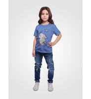 """Голубая детская футболка """"Зайка с морковкой"""""""