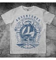 Серая футболка с корабликом