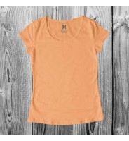 Персиковая женская футболка
